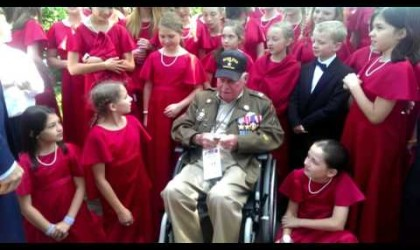 Texas Children's Choir Sings Army Songs to WWII Veteran